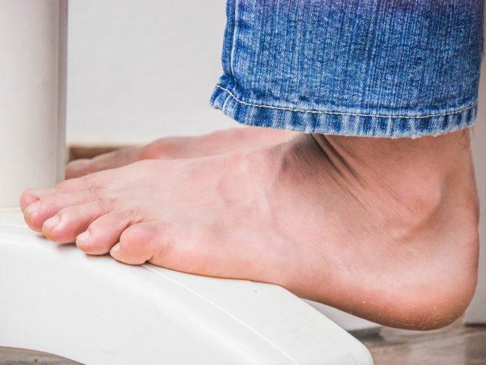 Ostroga piętowa - jak poradzić sobie z uporczywym bólem pięty?