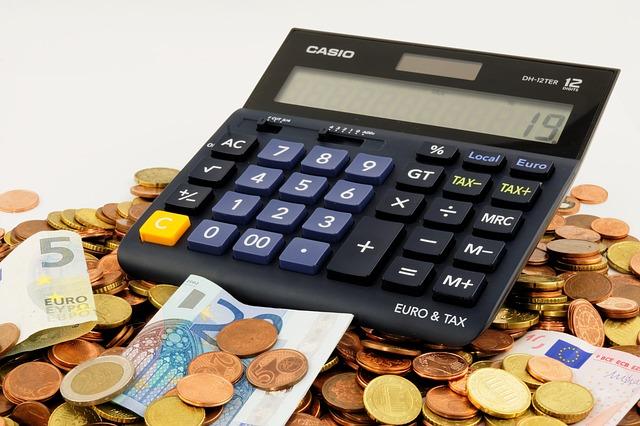Koszty związane z kupnem nieruchomości na kredyt.