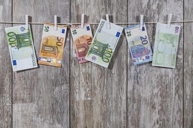 Kredyt - jak długo czeka się na pieniądze?
