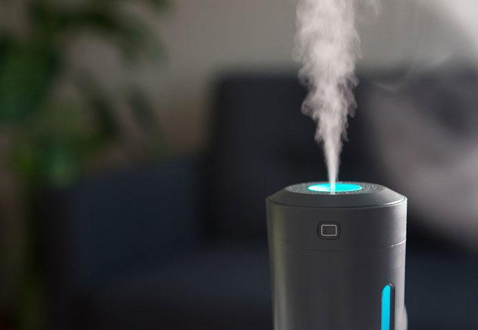 Nawilżacz powietrza w pokoju maluszka – świetna opcja czy konieczność?
