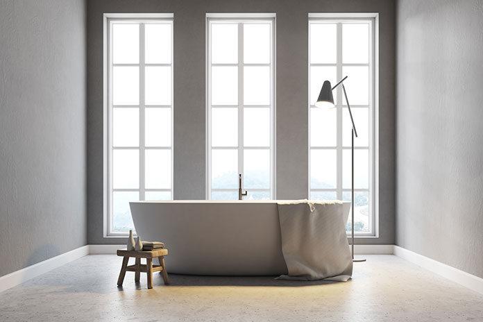 Praktyczne osłony okienne w łazience